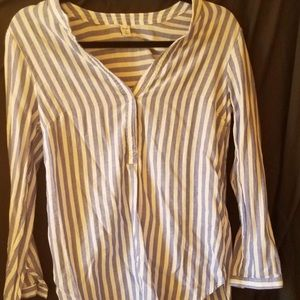 Old Navy Extra Small blue and white striped top